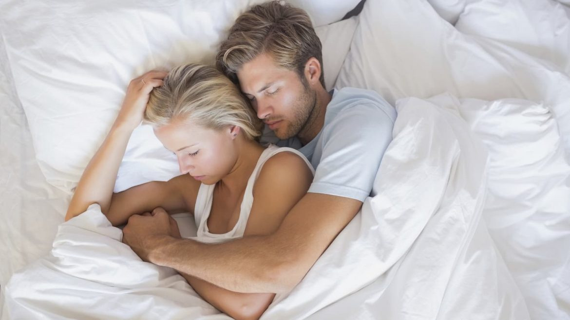 These Are The Reasons Why We Need To Try Spooning   Anastasia Date